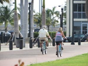 Harborwalk Pedestrians (15)